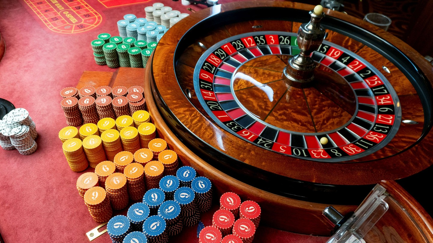 Buying and selling – A Gambler's Game?